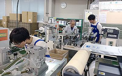 フィルム加工機の調整作業を体験(アジアハイテックス)