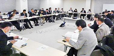 景況分析会議(3月2日)で各業界の景気動向と今後の見通しを語る会員経営者