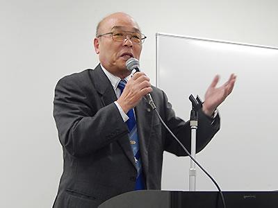 「教えるより、気付きの場を提供すること」と語る豊田氏